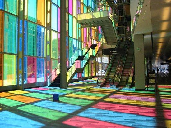 Longueuil, Canadá: The Montreal convention centre - Le Palais des Congrès