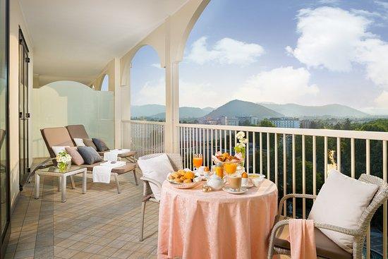 Αμπάνο Τέρμε, Ιταλία: Luxury Balcony Breakfast at Grand Hotel Trieste