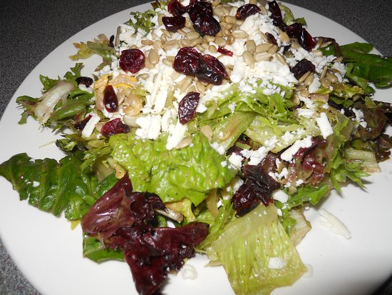 Port McNeill, Kanada: Northern Lights House salad minus the chicken