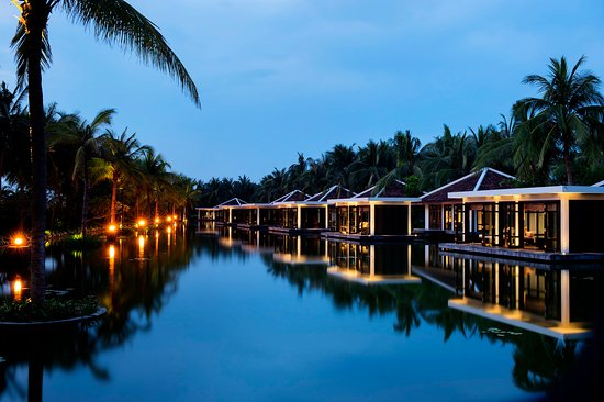 Four Seasons Resort The Nam Hai, Hoi An: NAMSpa Fitness Spa Complex Evening