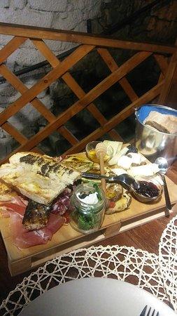 Castelforte, Italien: 20160721_212658_large.jpg