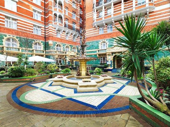 Taj 51 Buckingham Gate Suites and Residences: St. James' Courtyard