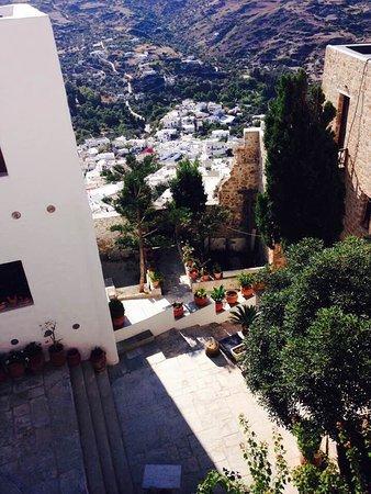 Μόνη Αγίου Γεωργίου Σκυριανού: Vue du Monastère St Georges au sommet de Skyros