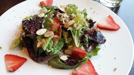 Canyon River Grill: Salad