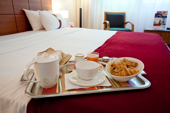 Pessac, Frankrijk: Your breakfast in your room from 7.30am to 12pm on weekend