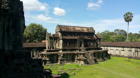 Angkor Wat Tour Guides - Private Day Tours: 20160720_095911_large.jpg