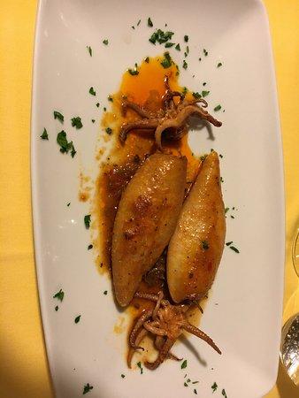 Sesto Calende, Italien: Calamari alla messinese
