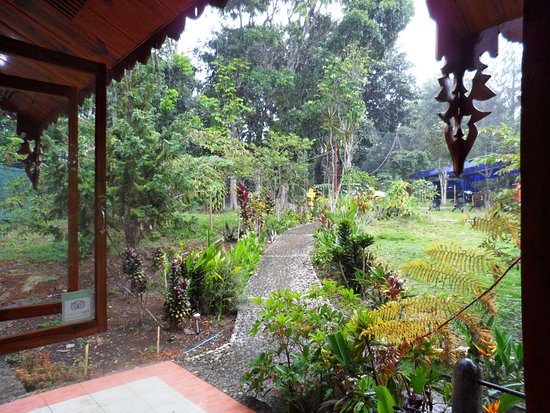 Malaybalay City, Filippijnen: View from the doorway (looking outside)