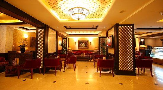 Arabian Courtyard Hotel & Spa: Arabian Courtyard Ahlan Lounge