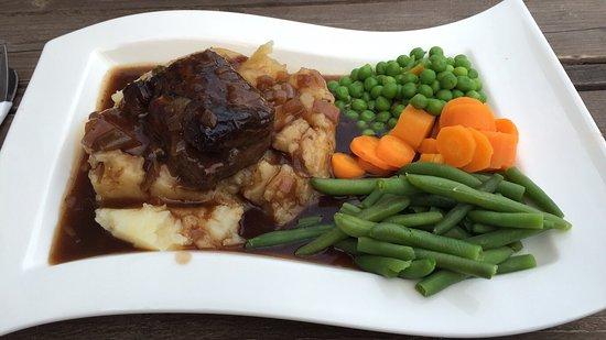 Llanbedrog, UK: Braised Lamb on a bed of mash with onion gravy