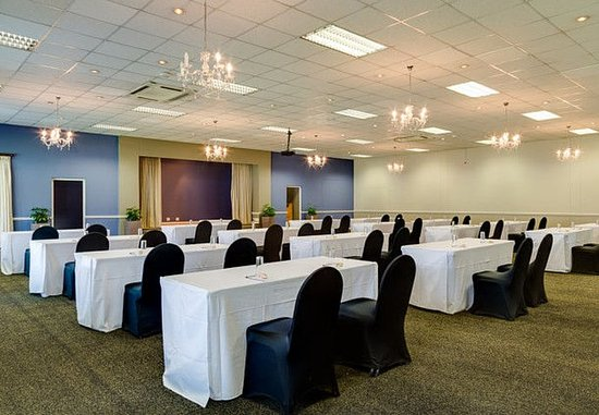 Protea Hotel King George: Regency Hall – Classroom Setup