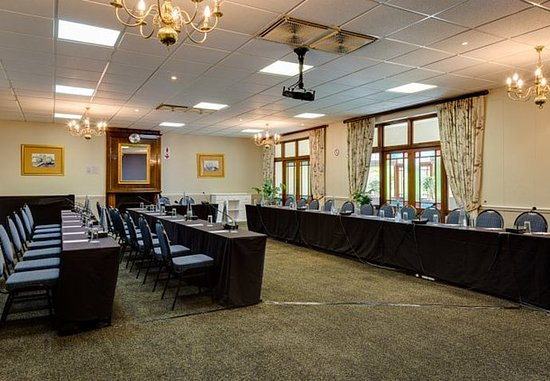 Protea Hotel King George: Charlotte Room – Conference Setup