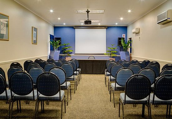 Protea Hotel King George: George Room – Theater Setup