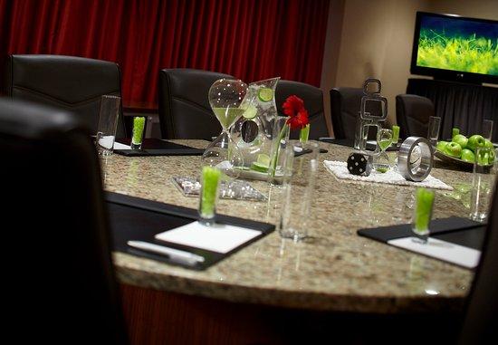 Carmel, Indiana: Executive Boardroom