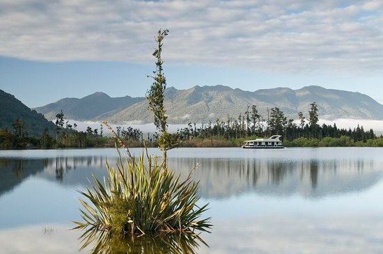 Greymouth, New Zealand: Lake Brunner