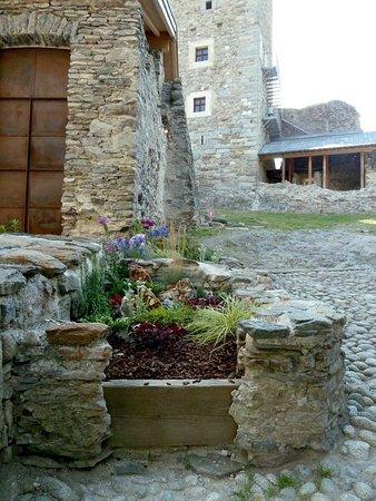 Ossana, Italien: Castello di San Michele. Uno scorcio degli interni