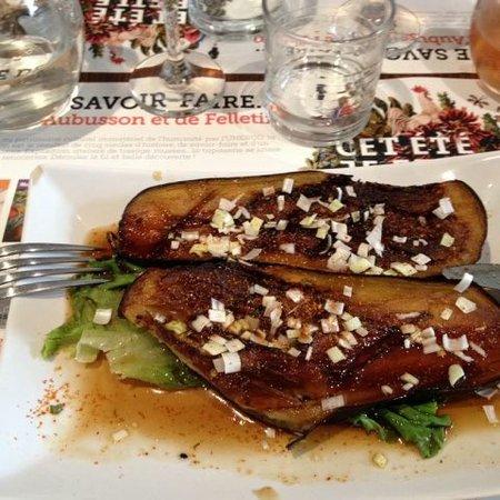 Aubusson, Frankrike: Aubergine farcie et grillée (plat japonais)