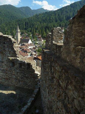 Ossana, dai bastioni di Castello di San Michele