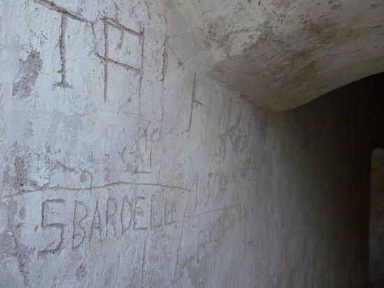 Ossana, Italien: Castello di San Michele. Tracce di passaggi....