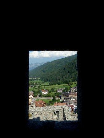 Ossana, Italien: Dalle finestre del Castello di San Michele