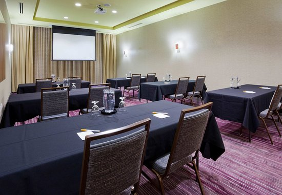 Maple Grove, MN : Meeting Room