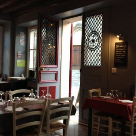 Dampierre-en-Yvelines, Francia: Salle à manger