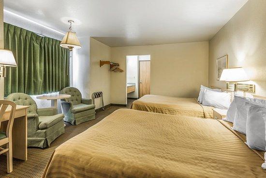 Monterey Beach Dunes Inn: Guest Room