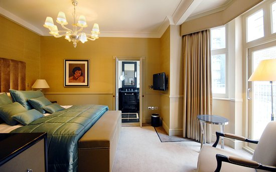 St. James's Hotel and Club: Deluxe Room