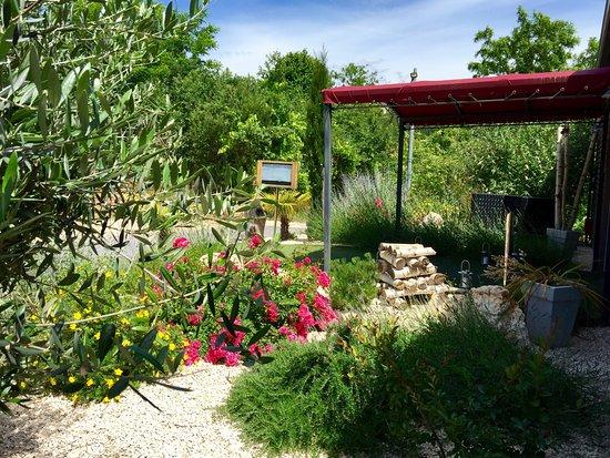 Faugeres, Франция: entrée restaurant