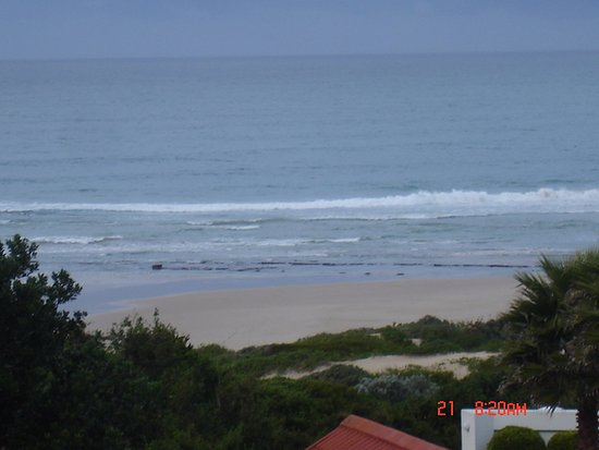 Aston Bay, South Africa: that is how you can view sea from your room
