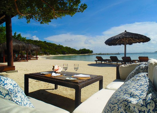 Canouan: Shell Beach Dining