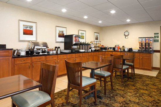 Rossford, OH: TOSOBreakfast Room