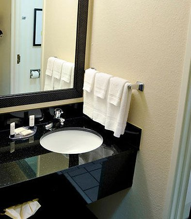 Shepherdsville, KY: Guest Bathroom