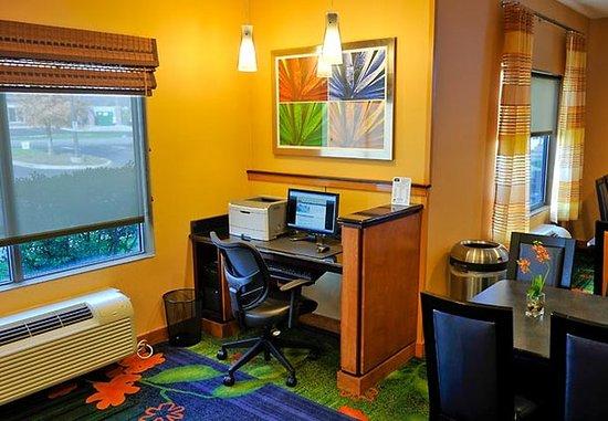 Shepherdsville, KY: Business Center