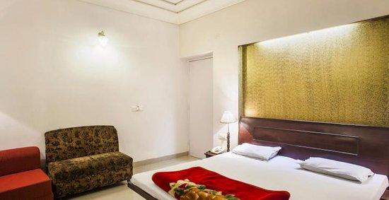Hotel Samrat : nice and claen rooms