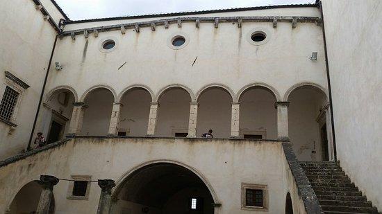 Borgo Medievale di Navelli: 20160716_160402_large.jpg
