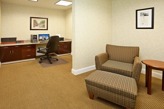 Southern Pines, Kuzey Carolina: Business Center