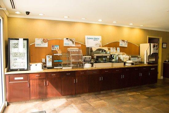 Southern Pines, Kuzey Carolina: Breakfast Area