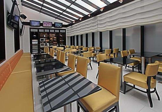 Fairfield Inn & Suites New York Manhattan/Times Square: Breakfast Room
