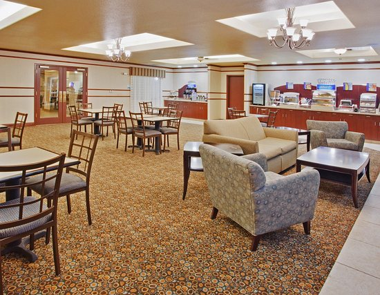 Holiday Inn Express & Suites Dinuba West Breakfast Bar