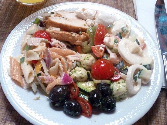 Rosenberger Innsbruck-Ampass: varietà di piatti freddi a buffet