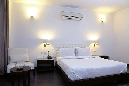 Trinity Art Hotel: DELUXE ROOM DOUBLE
