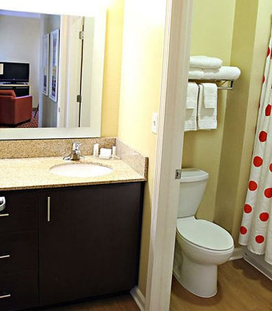 Huntington, Virginia Barat: Suite Bathroom