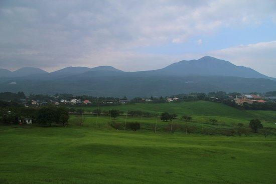 Miyakonojo, Giappone: 高千穂牧場から見た霧島連山