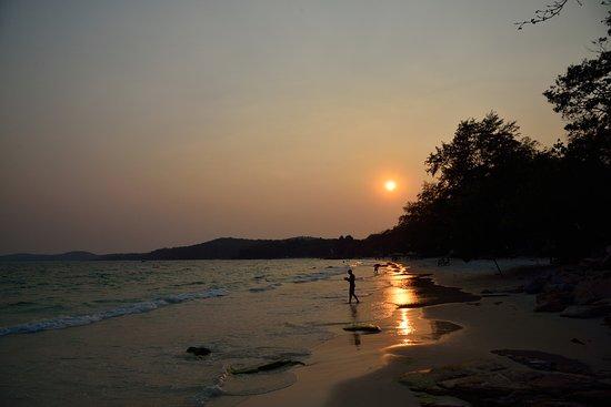 Rayong İli, Tayland: 海灘上美麗的夕陽,可以讓人暫時忘卻煩惱