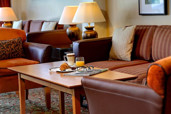 The Watermill Restaurant: Lounge area