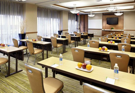 Wyomissing, PA: Meeting Room - Classroom Set Up