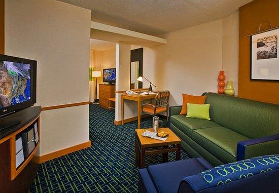 Oak Creek, Wisconsin: Suite