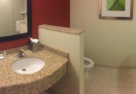 Allen, TX: Guest Bathroom