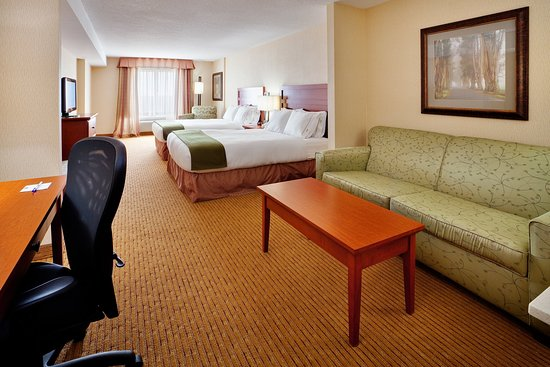 Holiday Inn Express Hotel & Suites Clarington - Bowmanville: Suite